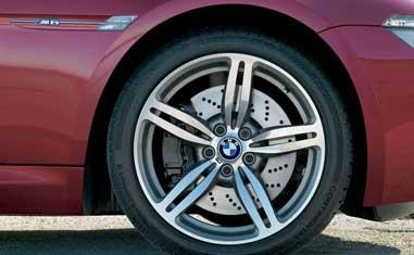 Шиномонтаж точная балансировка колес Hofmann Industrial Ремонт боковых порезов устранение грыж
