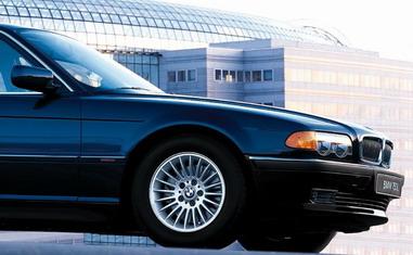 Тонирование автомобиля стекол